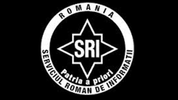 """<p><strong><em>Relaţia dintre Ministerul de Interne al  Germaniei, S.R.I. şi... P.N.L.</em></strong><strong> </strong></p> <p>Prima intervenţie directă a Germaniei în politica românească şi totodată amestec în treburile interne ale României a fost realizată în anul 2000, când Otto Schily, ministrul de Interne al Germaniei la vremea respectivă a vizitat Sibiul, chiar la prima candidatură a lui Klaus Werner Iohannis. Aceeaşi vizită a ministrului de interne german s-a repetat şi cu două săptămâni  înainte de alegerile din anul 2004, scopul fiind asigurarea că tot Klaus Werner Iohannis va fi """"ales"""" primar.  La vizita din anul 2000 Schily a avut o întrevedere secretă cu colonelul Nechifor Ignat, şeful S.R.I. Sibiu.<strong> </strong>Urmarea?"""