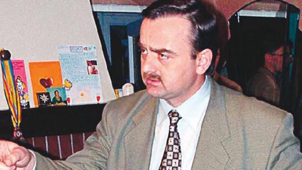 """Publicaţia """"JUSTIŢIARUL"""" vă prezintă un caz semnificativ pentru starea (in)justiţiei din România de astăzi, un caz relevant ce denotă implicarea unor personaje corupte, ce lucrează sub pulpana autorităţilor statului în malversaţiuni dubioase, ce merg până la complicitatea cu infractorii."""