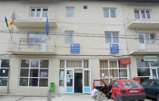 În Dispoziția nr.34/02.02.2012, privind suspendarea plăţii ajutorului social, motivul invocat de primarul PETROI ILIE este scris negru pe alb: neplata […]