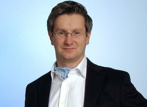 Problema revendicărilor minorităţilor germană şi maghiară şi ale cultelor religioase romano-catolice şi protestante din România Dezbaterea actuală pe tema revendicării […]