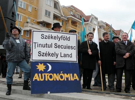 Iredenta maghiară, cu porta-vocea sa numită UDMR, ne bate la cap de vreo 20 de ani cu diverse modele […]