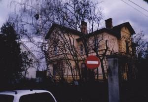 Imobilul din str. Someşului, nr. 13, este trecut în declaraţia de avere ca apartament, deşi este ditamai vila!
