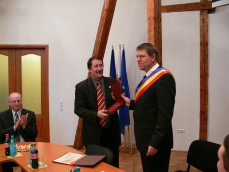 Publicăm, mai jos, un articol semnat de jurnalistul Luca Iliescu în data de 4 septembrie 2006 (http://www.9am.ro/stiri-revista-presei/2006-09-04/capitala-culturala-a-escrocarii-europei-sibiu-2007.html). Articolul […]