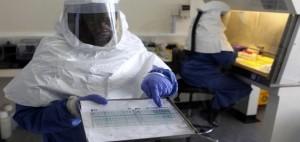 virus-ebola masca