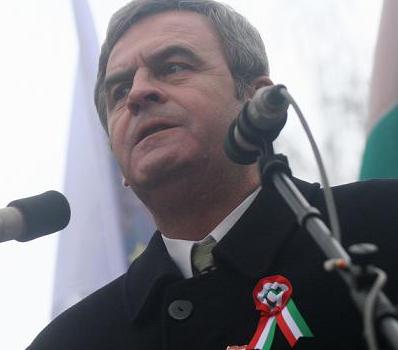 """Defăimarea României, la nivel internaţional, este """"opera"""" neseriozităţii şi ipocriziei unui mare informator-dezinformator: LÁSZLO TÖKÉS – MISTIFICATORUL (III)   […]"""