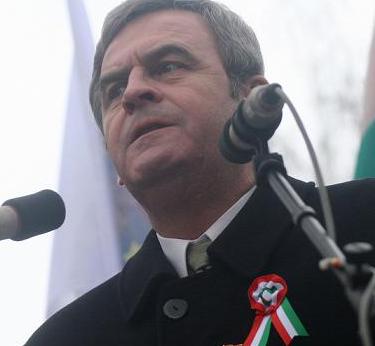 """Defăimarea României, la nivel internaţional, este """"opera"""" neseriozităţii şi ipocriziei unui mare informator-dezinformator: LÁSZLO TÖKÉS – MISTIFICATORUL (V)   […]"""