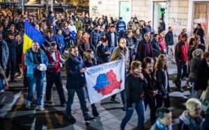 """Miting la Cluj în campania electorală a lui Klaus Iohannis. Transilvania, Banatul, Maramușesul, Crișana sunt """"Viitoarea diasporă""""!"""