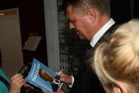"""Bestsellerul """"Pas cu pas"""", o minciună care a mers ceas… în trei pași: – Primul pas: Klaus Werner […]"""