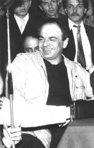 Gabriel Liiceanu la prima conferinţă de presă a GDS (Hotel Intercontinental, decembrie 1989) – foto revista 22.