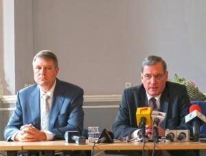 Klaus Iohannis, fostul președinte al FDGR-ului și finul Paul-Jürgen Porr, cel care a preluat conducerea FDGR-ului după ce nașul s-a dat de trei ori peste cap și s-a transformat în liberal.