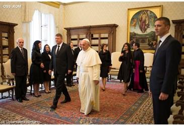 """Generalul iezuiților a devenit Papă, avem un Papă Negru (culoarea straielor iezuite) Motto:""""Dacă veţi lua urma masoneriei, prin toate ordinele […]"""
