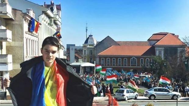 Învață-ți tu române, copilul ce-i onoarea Învață-ți tu române, copilul ce-i onoarea Și să nu plece capul în fața […]
