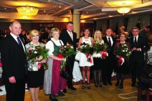 Ziua Austriei, sărbătorită în data de 26 octombrie 2013 la Sibiu. În fotografie: Andreas Huber (consulul onorific al Austriei la Sibiu și fin al primarului), Klaus Werner Iohannis (primarul municipiului Sibiu pe vremea aceea și naș al consulului), Michael Schwarzinger (ambasadorul Republicii Austria la data respectivă).
