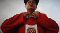 """CUM """"CINSTEȘTE"""" IOHANNIS RECEPȚIA OFICIALĂ DE ZIUA ROMÂNIEI!   Înainte ca cineva să fie nedumerit de gestul..."""