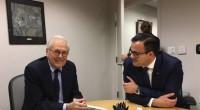Alina Gorghiu, Dan Mihalache și Mihai Gâdea fericiți că s-au pozat cu Donald Rumsfeld: Doamne, că babuini mai suntem! Am […]