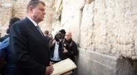 Învins de remușcări (posibil să mă înșel…), mesia Ciolannis intră cu măgăreața în Ierusalim (în privirile pline de […]