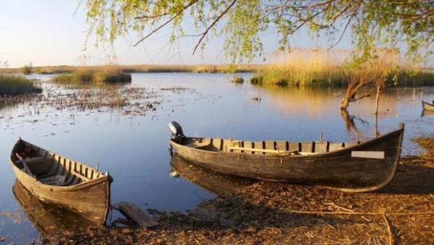 Pentru români şi strămoşii lor geto-daci, apa a fost şi este unul dintre cele patru elemente din care s-a […]