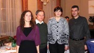 Familiile Cioloș și Kövesi.