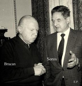 Silviu Brucan și George Soros în ianuarie 1990, când au înființat Grupul de Dialog Social.