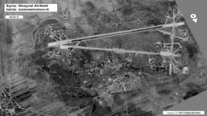 Aerobaza Al-Shayrat in urma atacului.