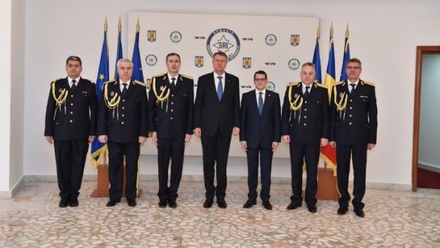 Nu mai avem soldați, dar avem cei mai mulți generali din Europa! Toți generalii și chestorii președintelui României  […]