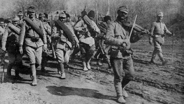Exemple de finanțare a românilor din Transilvania de către românii de dincolo de Munți. Sau cum cei aflați sub o […]