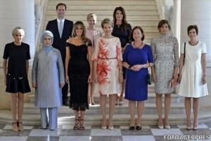Gauthier Destenay, soţul premierului Luxemburgului, Xavier Bettel, a pozat între primele doamne prezente la summitul NATO.