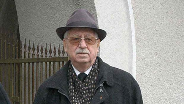 Generalul Iulian Vlad a ieșit rar în public și doar în circuit închis și controlat. În fața marelui public […]