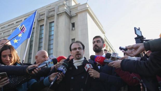 Mitingurile TFListe de la București au golit de conținut un cuvânt nobil, care își merita un destin mai bun […]