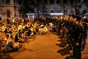 """A doua zi de proteste """"Uniți Salvăm"""", troleibuze blocate."""