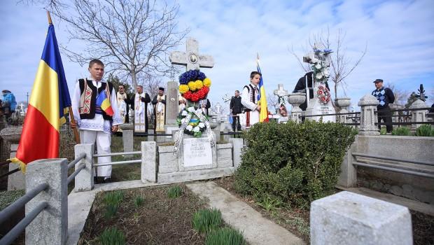 Făuritori ai Unirii Basarabiei cu România       Locotenent-colonel Andronache Gheorghe (1893-1970)    […]