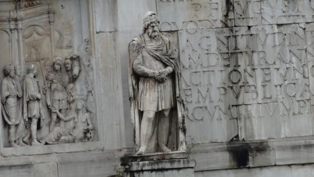 """Romanii, verișorii dacilor. Enigma """"romanizării"""". Ce s-a intamplat cu dacii liberi? O lecție pentru ziariștii din crescătoria de […]"""