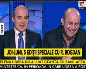 """Penibilă prestația telefonică de aseară a lui Cozmin Gușă de la B1 TV. Jurnaliștii din studio îl întrebau de datoriile postului insolvent Realitatea TV și dobitocul: Dragnea, Dragnea, Batman, Batman! Ba, mai mult, taman el Gușă-SRI îl acuza pe onestul jurnalist Mirel Curea că ar fi ofițer sub acoperire. Jalnic! Pe banditul chelios și prost de bubuie nu-l cercetează nimeni cum a ajuns putred de bogat? În fotografie cei doi chelboși care fac pe patrioții la postul insolvent Realitatea TV. Excelentă etichetarea lui Rareș Bogdan pe """"burtieră"""": CUR. BOGDAN! Gura păcătosului..."""