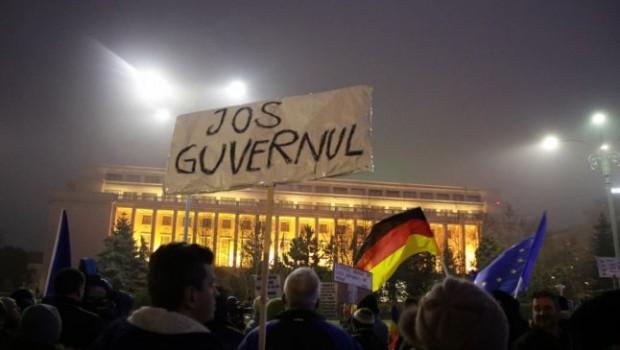 """Nicolaie Hoanţă: """"Economia noastră este nepermis de dependentă de capitalul extern""""   * """"Realitatea a dovedit că doar […]"""