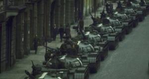 Armata RSR, prezentă la datorie, ca să-și apere patria! Asta a fost în 1968, pentru că în decembrie 1989 a fost altceva... Astăzi, poporul român doarme liniștit somnul cel de veci, fiind convins că îl apără trupele NATO de astfel de situații.