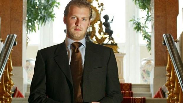 Prinţul Carlos Patrick Godehard de Hohenzollern, în vârstă de 39 de ani, s-a sinucis. Acesta s-a aruncat în gol […]