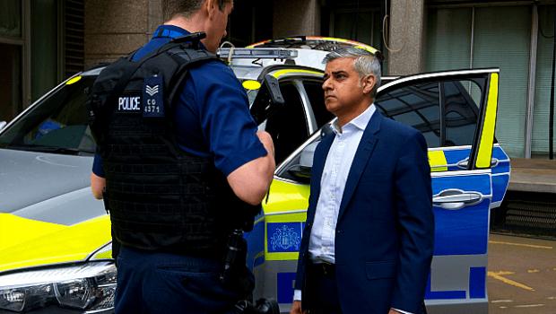 Cresc violurile in capitala multiculturala a Marii Britanii sub munca de primar a lui Sadiq Khan – dar politia […]