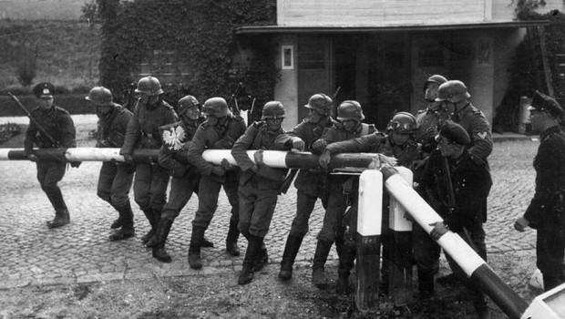 Polonia cere Germaniei 685 de miliarde de euro despăgubiri de război Solicitările poloneze de despăgubiri de război adresate Germaniei […]
