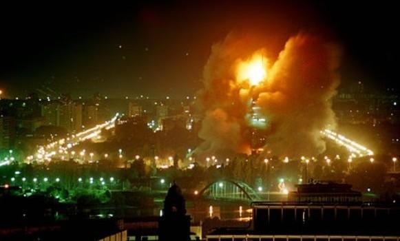 """""""În seara de 24 martie 1999, fără aprobarea Consiliului de Securitate al ONU, NATO a lansat cea mai […]"""
