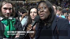 """Laetitia Avia, cea cu microfonul în mână, a ajuns deputată datorită """"ciclonului"""" Macron, ea fiind o personalitate reprezentativă pentru multicultarismul formațiunii """"En Marche!""""."""
