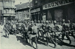 Tropas-rumanas-ocupan-budapest-1919--outlawsdiary02tormuoft