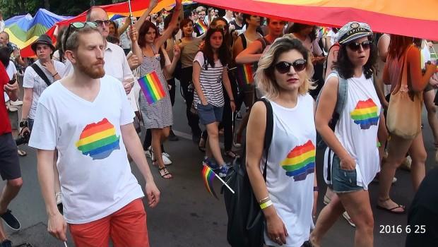 Alianța Familiilor din România: CINE FINANȚEAZĂ CONFUZIA SEXUALĂ?  În lunile mai și iunie e sezonul paradelor homosexuale în […]