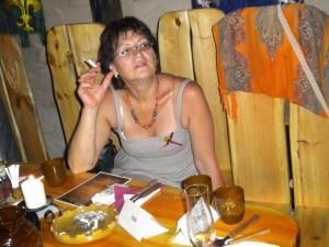 """Elena Miruna Tudorache, președinta Fundației """"Un copil, o speranţă"""" din Sibiu, persoană aflată în relații deosebită cu familia Iohannis, prietenă cu Carmen și favorizată de Werner pe vremea când era primar, suspectă și ea de implicare în traficul de copii al familiei Iohannis!"""
