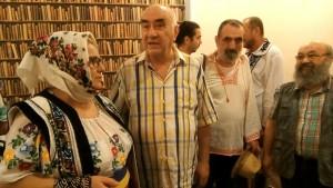 Profesorul Ion Coja și Dan Cristian Ionescu, încadrați de soții Cârlan-Ungureanu.