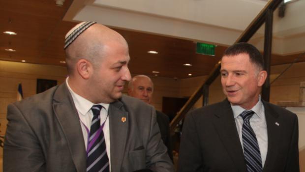 Scrisoare deschisă către Presedintele României pentru a trimite legea antisemitismului la Parlament spre revizuire      […]