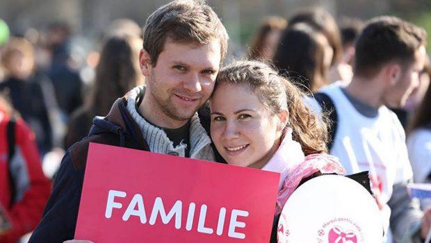 """O lume întreagă, la Referendumul din 6-7 octombrie a.c, este cu """"ochii"""" spre România! DA, pentru Căsătoria naturală! DA, […]"""