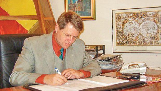 """""""Justițiarul"""" a fost prima publicație care a scris despre succesiunea FDGR-ului condus de Klaus Iohannis după organizația nazistă Grupul […]"""