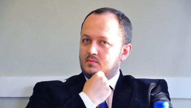 Adrian Papahagi: Zece întrebări și răspunsuri despre Referendumul pentru familie 1. De ce se organizează referendumul exact […]