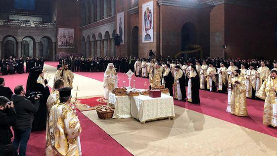 Am avut privilegiul să trăim o zi importantă din Istoria Neamului Românesc pe viu: Sfințirea Catedralei Mântuirii Neamului! Era […]