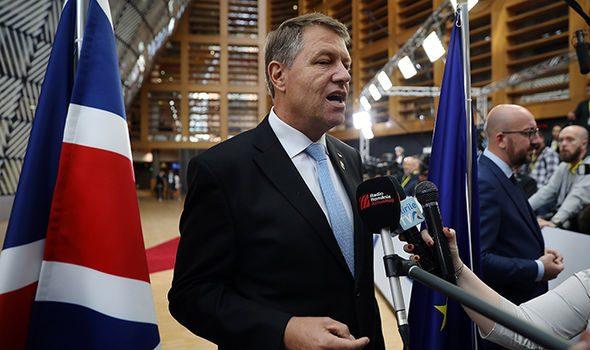 """DE """"CENTENARUL MARII UNIRII"""" Tocmai preşedintele Klaus Iohannis a aruncat în aer interesele României Dacă am trăi într-o ţară […]"""